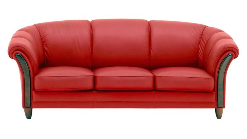 divano in pelle rossa